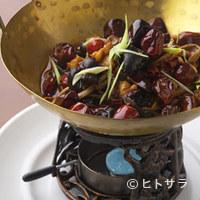 同源楼 - 鶏と筍 辛味鉄鍋焼