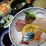 いかざき - 「刺身定食」(ランチタイム800円)