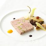 オテル・ド・ヨシノ - 和歌山の食材を使った古典的フランス料理を