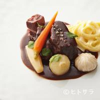 オテル・ド・ヨシノ - これぞ王道。定番の一皿『牛ほほ肉の赤ワイン煮』