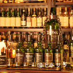 キルダルトン - 6種類のボトルから注がれる「アードベッグ」を飲み比べできます