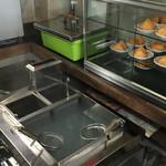 松下製麺所 - うどんも自分で茹でるセルフサービスです。
