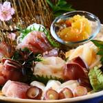 新鮮な魚介類と地酒専門店 おやじの隠れ家 魚武 - 魚武盛り