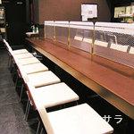 牛たん炭焼 利久  - 広々としたカウンター席、あります!