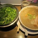 中華そば まる井 - 料理写真:
