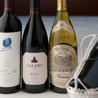 ワインリストも一流。希少なボトルも見つかります