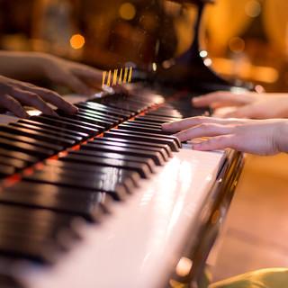 週末はジャズやクラシックの生演奏と共に日本料理を堪能
