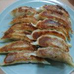 中華レストラン 東東 - 料理写真:当店オリジナルの手作り【ギョーザ】!ボリューム満点です。(写真は2人前)