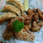 中華レストラン 東東 - 【MIX唐揚げ】鶏・ホルモン・揚げギョーザのMIXです。少しずつ色々食べたい方にオススメ!