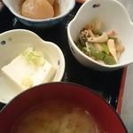 天海のろばた  - 小鉢とお茶
