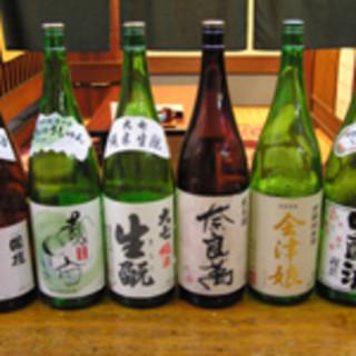 福島の地酒から南は九州のお酒までございます。