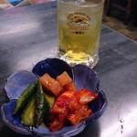 翠苑 - 料理写真:ミックスキムチ&緑茶割り