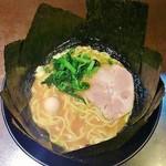 きたくり家 - ラーメン680円麺硬め。海苔増し100円。