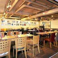 HANAZONO CAFE - 開放的な店内は見通しGOOD!