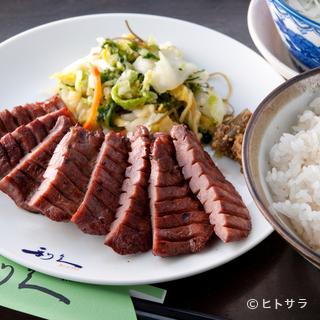 定番!【利久】の牛たん定食