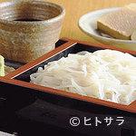 蕎麦 木曽路 - 蕎麦の実の皮や外側を削った真っ白な『更科そば』は限定メニュー