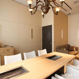 3つのVIPルームをはじめ、趣きの異なる個室があります