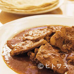 ロシータ - 優しいチリソースに豚肉が絡むカルネデプエルコ