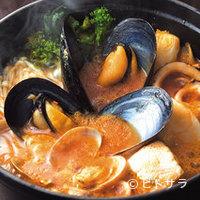 RIGOLETTO TAPAS LOUNGE - 一例。「石巻鍋」の残ったスープは+300円でチーズリゾットに