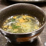 炭火焼肉徳重 - 石焼ビビンバのスープ