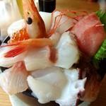 伊豆高原ビール うまいもん処 - 海鮮丼