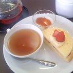 ワタナベ - 料理写真:本日のシフォンケーキとドリンク600円