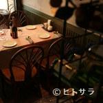 味のレストラン えびすや - シックな店内はどこか懐かしい雰囲気…