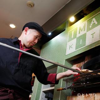 ピザ釜にエスプレッソ・マシーン、本格派の味が楽しめます