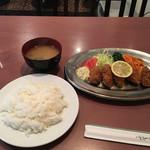 65129753 - カキフライ800円と味噌汁50円
