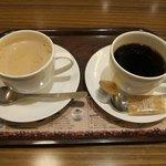 上島珈琲店 - 左:黒糖ミルク珈琲/M 右:ブレンド珈琲/M