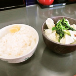 真鍋家 - セットのライス キャベツ ほうれん草