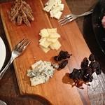 ワインルーム - チーズ盛合せ