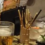 千串屋 - お隣さんのテーブル模様