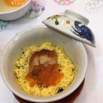 鎌仁別荘 - 古代米の蒸したもの。柔らかくモチモチ(^.^)上には鰻といくら