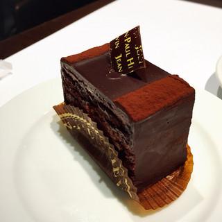 ジャンポール エヴァン 岩田屋本店 - ベリーが使われてるチョコケーキ