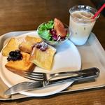 ザ・ラボ カフェラボ グランフロント大阪店 - 朝のフレンチトーストセット(アイスカフェラテ)