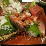 牡蠣と和酒 凛 - 刺身盛り合わせ(4人前)