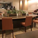 カフェ セジュール - 店内