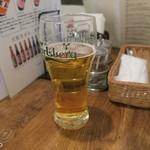 タイ国専門食堂 - 生ビールはジョッキがデカい