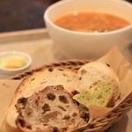 ル ミトロン カフェ - 料理写真:ミトロンのパンはセルフで。