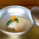 白金台こばやし - 今日はハマグリのしんじょうでした!ホントにいつも美味しいですね。。