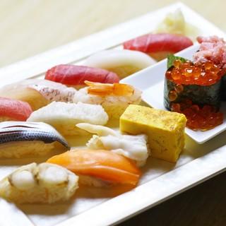 """こだわりの""""赤舎利""""で。板前の目利きと技術が光る江戸前寿司"""