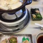 五右衛門茶屋 - この写真の料理に加えて、天ぷらと白ご飯、お漬物。