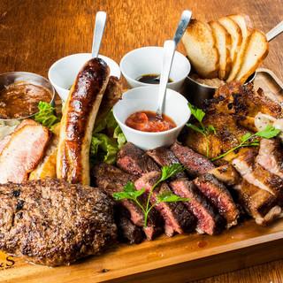 【ディナー】肉好き集まれ!総重量1kgのニックビレッジ!