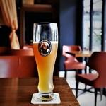 フランツィスカーナー バー&グリル - ヘーフェ ヴァイスビール