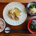 グレインズ~粒 - 料理写真:桜定食