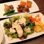 コンカフェ - おかずとサラダのバイキング