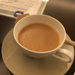 日光金谷ホテル - ロンネフェルト社のセイロンをミルクティーで。