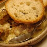 美酒美肴 くすのき - チキンとポテトのチーズ焼きです。
