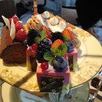 ザ・ロビーラウンジ - 1の段:ケーキ
